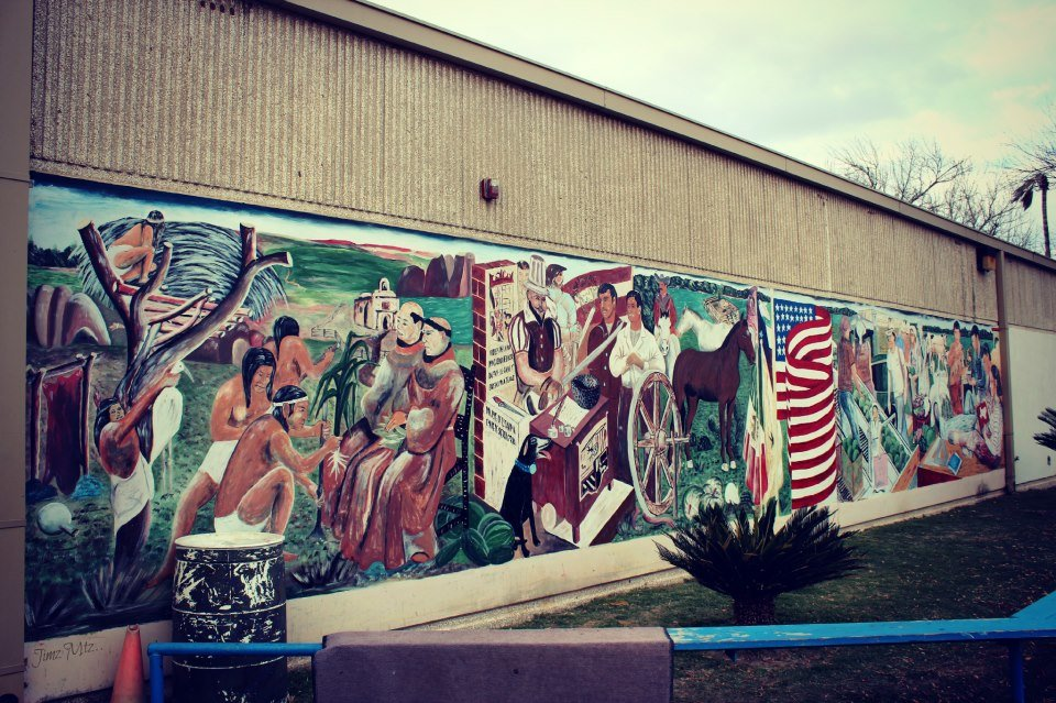 La Grulla Middle School Mural